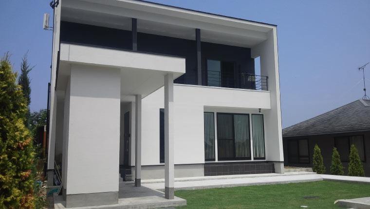 店舗デザイナーの施主と西川設計士とのコラボ、デザインと性能が融合した家。